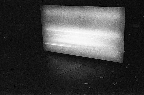 Leuchtkasten mit Image Noise - Fotografie von Alexander Gebetsroither